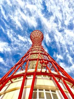 空,建物,屋外,赤,雲,タワー,ポートタワー,高層,地上からの眺め