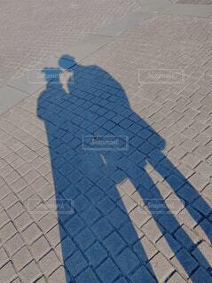 2人の影の写真・画像素材[4622533]