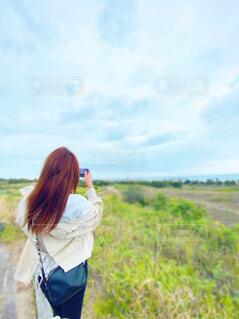 女性,風景,空,屋外,雲,景色,草,人物,人
