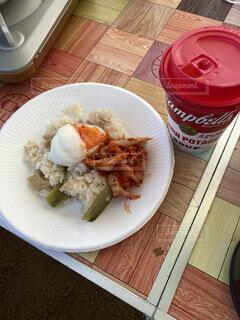 食事,朝食,美味しそう,テーブル,皿,キャンプ,料理,手作り,飯テロ,ファストフード,日曜日,コーンスープ,ヨダレもの,自作朝ごはん