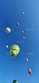 風景,空,風船,パラシュート,たくさん,航空機,長野県,熱気球,佐久市,日中,佐久バルーンフェスティバル