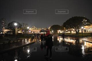 街の通りの夜景の写真・画像素材[4626838]