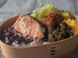 食べ物,お弁当,鮭