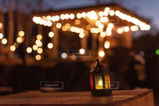 夜,屋外,電球,ランタン,ぼかし,キャンドル,照明,明るい,玉ボケ