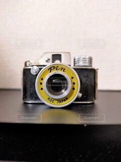 カメラ,屋内,デジタルカメラ,レンズ,フィルムカメラ,一眼レフカメラ,ミラーレス一眼カメラ,コンパクトカメラ,エレクトロニクス,カメラレンズ,レフレックスカメラ,カメラ光学