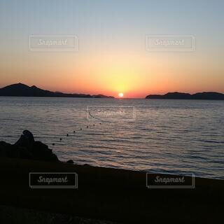 自然,風景,海,空,屋外,太陽,ビーチ,雲,夕暮れ,水面,山