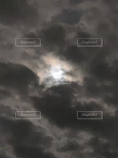 空,夜空,雲,月,三日月,満月,くもり,ムーン