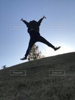 空,ジャンプ,バンザイ,丘,人,大の字
