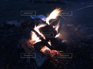 自然,夜,屋外,夕方,火,薪,焚き火