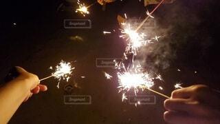 手持ち花火の写真・画像素材[4659949]