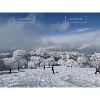 自然,風景,空,冬,雪,屋外,雪景色,山,丘,スキー,ゲレンデ,快晴,冷たい,スノーボード,斜面,日中,覆う,パウダースノー