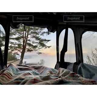 自然,風景,冬,湖,キャンピングカー,山,朝焼け,樹木,癒し,キャンプ,リフレッシュ,ブランケット,ぬくぬく,車中泊