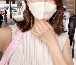 マスクが暑い真夏の写真・画像素材[4674266]
