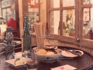 テーブルの上にビールを1杯入れますの写真・画像素材[4775959]