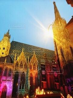 空,建物,屋外,海外,太陽,光,レトロ,外国,旅行,教会,ウィーン,明るい,虹色,幻,輝き,Vienna,異世界
