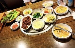食べ物,食事,ディナー,屋内,フード,テーブル,皿,サラダ,木目,ファストフード,飲食,ボウル