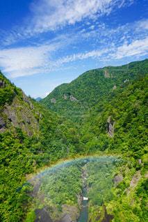 山と虹の写真・画像素材[2511084]