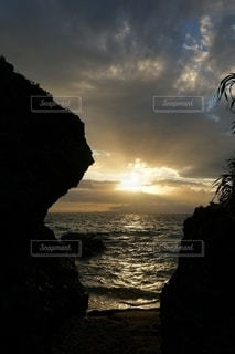 石垣島の夕陽の写真・画像素材[2625773]