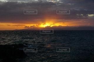 石垣島の夕陽の写真・画像素材[2625810]