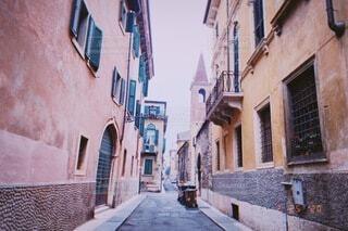 風景,空,建物,街並み,海外,窓,家,古い,都会,道,旅行,路地,歩道,イタリア,石