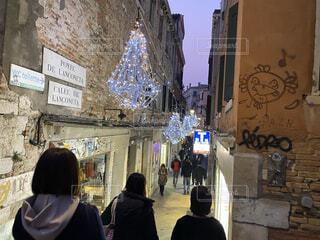 女性,男性,風景,建物,屋外,人物,人,ベネチア,通り,ヴェネツィア,テキスト,クリスマス ツリー