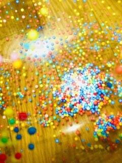 夏,緑,赤,白,カラフル,青,紫,風船,水玉,ドット,集合体