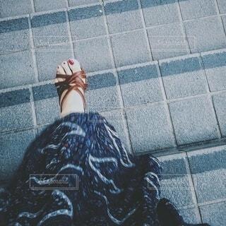 女性,風景,階段,サンダル,スカート,人物,スナップ,足下,紺色