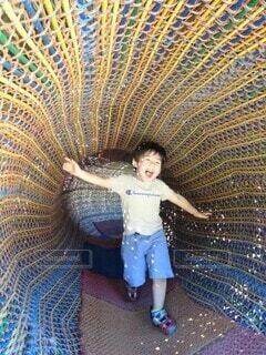 公園ではしゃぐ子供の写真・画像素材[4652264]
