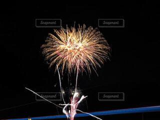 ハートに見える花火の写真・画像素材[4661829]
