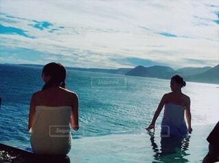 女性,自然,風景,海,温泉,屋外,ビーチ,水着,水面,泳ぐ,少女,人物,人,休暇