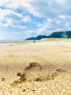 砂浜にハートの写真・画像素材[4656973]
