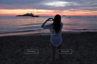 空,夕日,ビーチ,ハート,スペイン,サンセット,マジックアワー,イビサ島,カラコンテ
