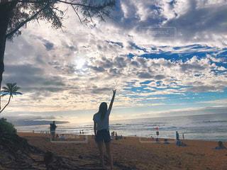 女性,ビーチ,後ろ姿,人物,背中,後姿,ハワイ,アロハ