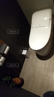 白いトイレのクローズアップの写真・画像素材[4668717]