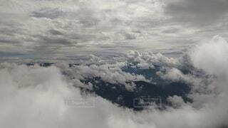 自然,空,雪,屋外,雲,大空,霧,飛ぶ,大地,煙,山頂,群馬,空中,新潟,くもり,フライト,日中,谷川岳,山頂からの景色
