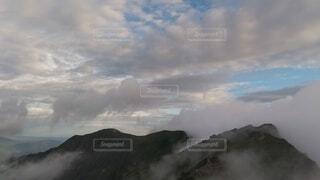 自然,風景,空,屋外,雲,霧,山,大地,崖,高原,群馬,新潟,くもり,のぞき,谷川岳,一ノ倉岳