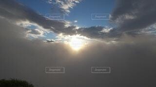 自然,空,屋外,太陽,雲,夕暮れ,暗い,山,朝焼け,高原,群馬,新潟,くもり,日中,見る,谷川岳,一ノ倉岳,谷川岳山頂