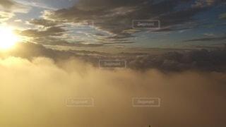 自然,風景,空,屋外,太陽,雲,夕暮れ,霧,飛ぶ,山,朝焼け,山頂,日の出,群馬,くもり,高い,日中,谷川岳,山腹,トマの耳,一ノ倉岳,谷川岳山頂