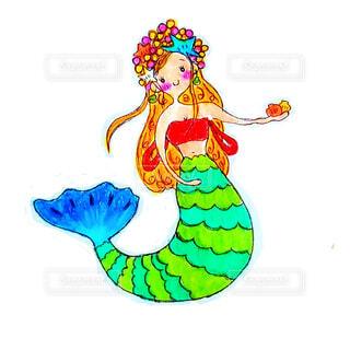 ホタテをプレゼントする人魚のイラストの写真・画像素材[4662464]