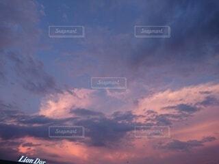 空,屋外,雲,夕焼け,夕暮れ,飛行機,くもり