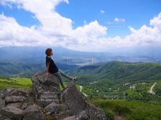 女性,夏,絶景,青空,山,トレッキング,快晴,長野,車山高原,空気が美味しい,PassMe,夏のお出かけ