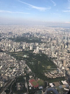 空,建物,屋外,雲,山,タワー,都会,高層ビル,空中,ビュー