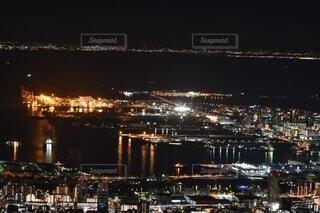 空,建物,夜,屋外,湖,水面,都会,高層ビル,明るい