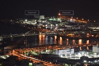 空,建物,夜,橋,屋外,水面,都市,工場,都会,高層ビル