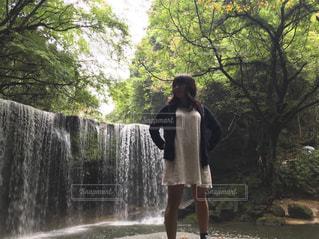 女性,自然,森林,滝,未来,レジャー,マイナスイオン,可能性