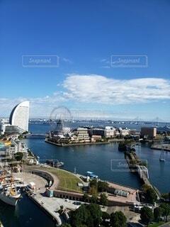 空,晴れ,観覧車,船,水面,高層ビル,港,横浜,港町,車両