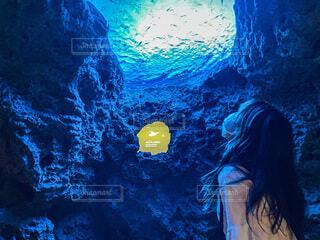 海,カップル,水族館,水面,葉,泳ぐ,人物,人,美人,洞窟,美女,鴨川シーワールド,彼女