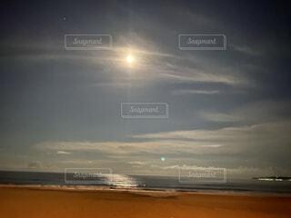 自然,空,屋外,太陽,ビーチ,雲,夕暮れ,水面,海岸,月,浜辺