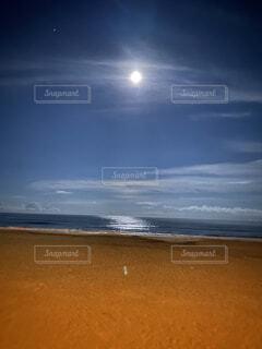 自然,海,夜,夜空,ビーチ,砂浜,海辺,水面,海岸,月,浜辺