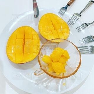 食べ物,夏,マンゴー,黄色,爽やか,デザート,フォーク,フルーツ,果物,お皿,彩り